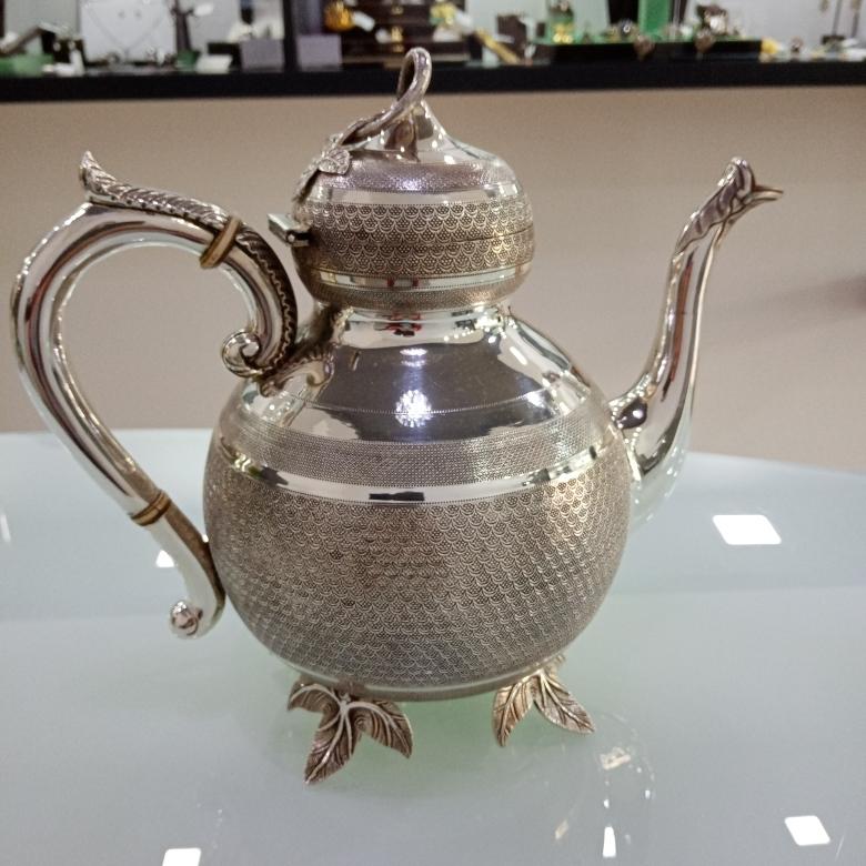 Bule de Chá em Prata Usada Centenária